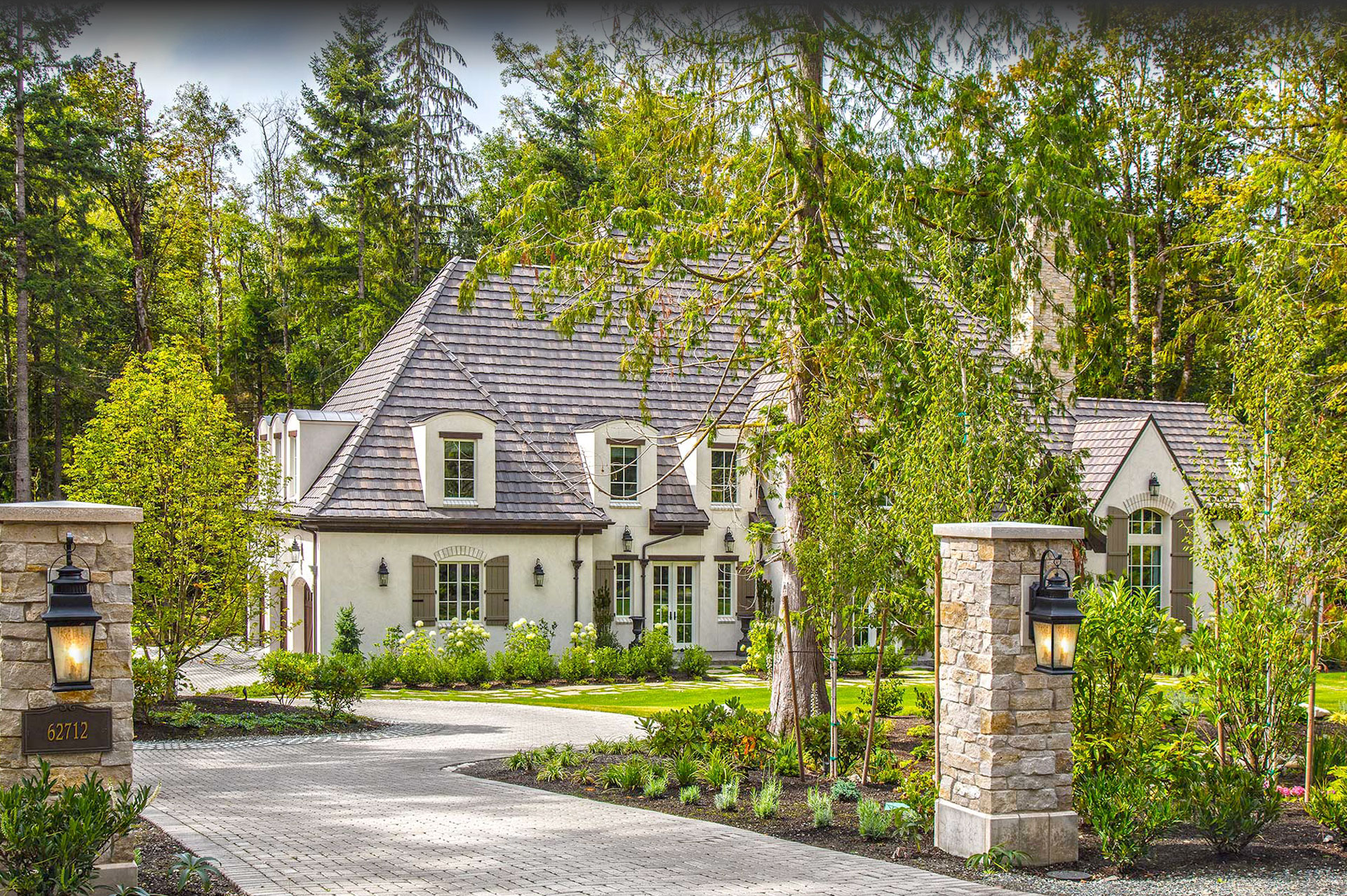Design Guild Homes. Grand Ridge Château custom built home.